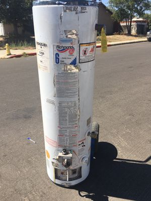 Propane 30 gallon water heater for Sale in Perris, CA