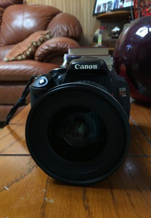 Canon t3i with lenses for Sale in Carteret, NJ