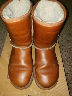 Women's All Weather Leather UGGs size 7 for Sale in Atlanta, GA