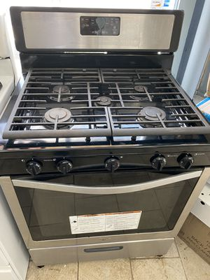Whirlpool 5 burners stove for Sale in Dearborn Heights, MI