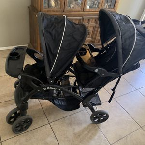 Baby Sit And Stand Stroller for Sale in Scottsdale, AZ