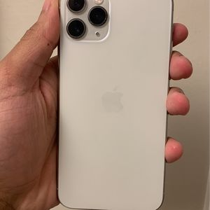 iPhone 11 Pro White for Sale in Chamblee, GA
