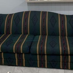 Sofá de 3 Puestos. En la fry Cerca de la Morton ,no Humo,no mascotas .en buenas Condiciones for Sale in Houston, TX