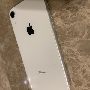 iPhone XR Factory Unlocked for Sale in Fort Lauderdale, FL