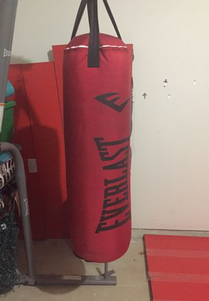 Everlast Heavy Punching Bag 70 lbs for Sale in Spring, TX