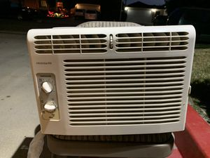 Frigidaire AC Unit for Sale in Buena Park, CA