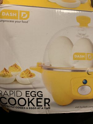 Dash rapid egg cooker for Sale in Los Angeles, CA