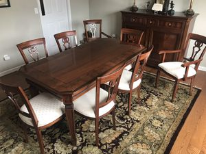 Elegant Italian made dining room set. Hardly used! for Sale in Chesterfield, MO