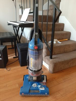 Hoover Windtunnel vacuum. Like new for Sale in Riverside, CA