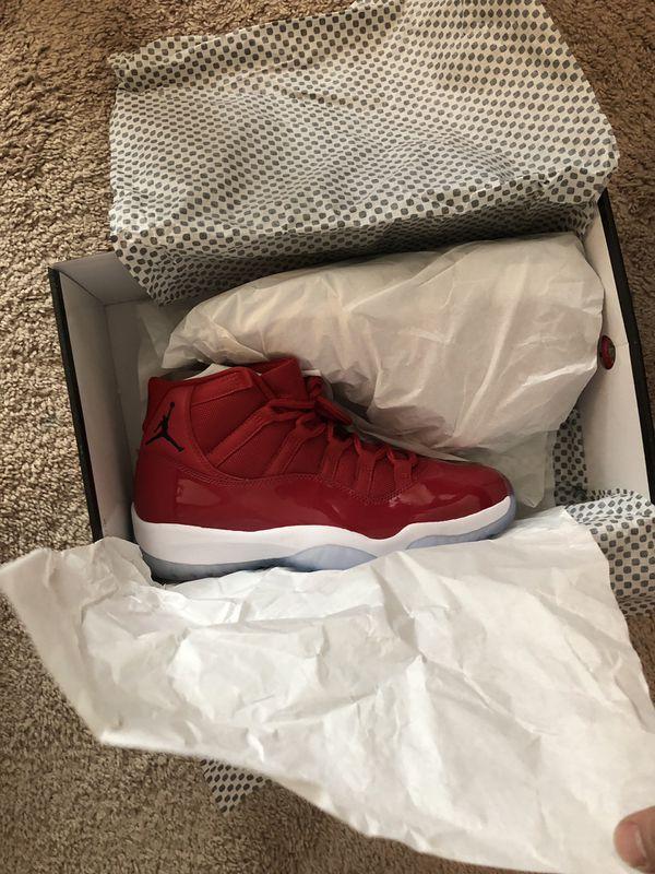 Jordan 11s size 9
