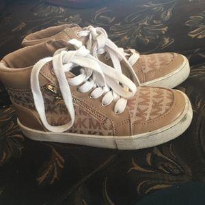 Girls Michael Kors Shoes for Sale in Delhi, CA