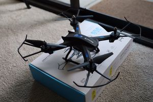 Snaptain S5C WiFi Fpv drone with 720p camera for Sale in San Diego, CA