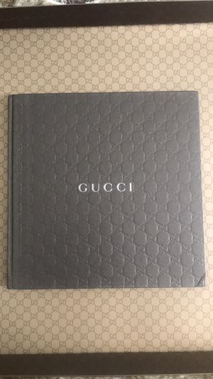 Gucci Mens Accessories Fall Winter 2010 Catalog for Sale in San Jose, CA