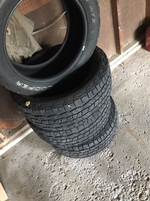 Tires Cooper Discover AT3 265/50/20 for Sale in Streetsboro, OH