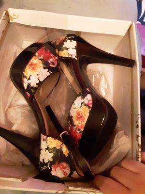 NEW! Flower High Heels! for Sale in Fontana, CA
