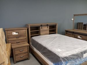 5pc light brown bed set w/ Slidding door headboard & lrg 3 shelf storage space Dresser w/ slidding doors & 3 lrg shelves Same day delivery 50 down for Sale in Columbus, OH