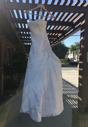 Moonlight Wedding dress for Sale in Bellflower, CA