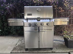Weber summit 4 burner gas grill, side stovetop, rotisserrie for Sale in San Jose, CA