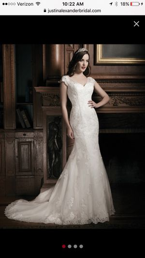 Wedding dress - Brand new unaltered never worn for Sale in Gray, TN