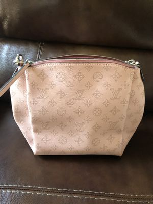 Louis Vuitton Babylone BB Chain Magnolia for Sale in Los Angeles, CA