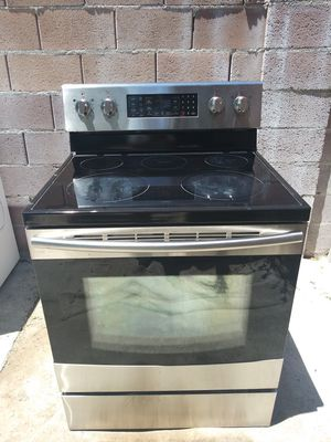 GLAS. TOP ELECTRIC STOVE for Sale in Las Vegas, NV
