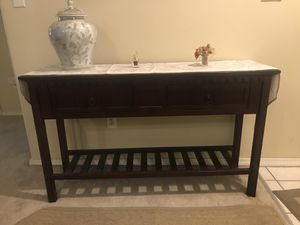 Upscale designer end table. North Carolina fine furniture. for Sale in Portland, OR