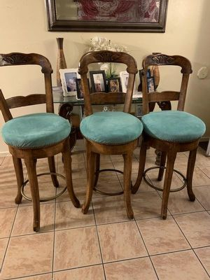 Higher barstools gorgeous conditions higher than quality for Sale in Huntington Beach, CA