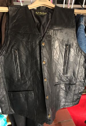 XL Motorcycle or not leather vest. Like new! for Sale in Surprise, AZ