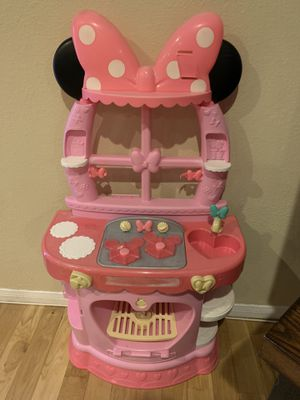 Minnie Mouse Play Kitchen Used for Sale in Pico Rivera, CA