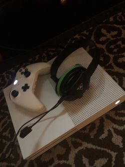 Xbox 1s 1tb for Sale in Philadelphia,  PA