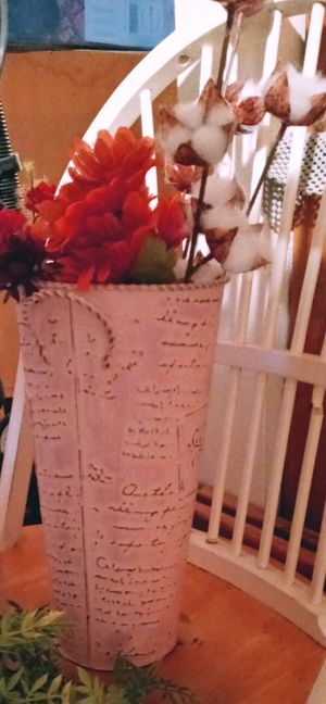 Pink shabby chic galvanized flower vase for Sale in Beaverton, OR