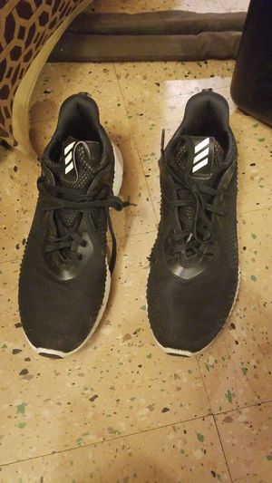 Adidas men size 9 1/2 for Sale in Chicago, IL