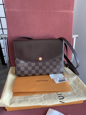 Authentic Louis Vuitton twinset damier crossbody bag for Sale in Daly City, CA