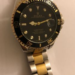Rolex Oyster Perpetual Date Submariner for Sale in Germantown,  MD