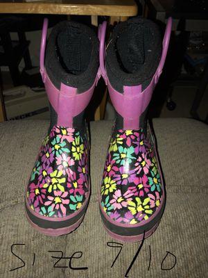 Girls rain boots size 9/10 for Sale in Kenosha, WI