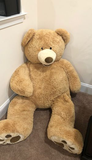 Big teddy bear for Sale in Woodbridge, VA