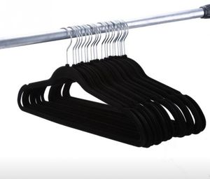 Non slip clothes hangers- 30 count for Sale in Gaithersburg, MD