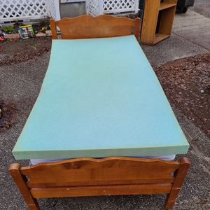 Twin Size bed With Wood Frame, Box spring , Mattress, And Gel Memory Foam Topper for Sale in Wenatchee, WA