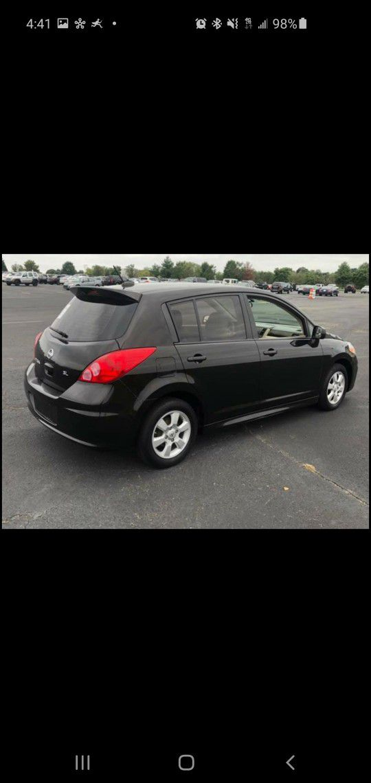 Car For Sale 2011 NISSAN VERSA SL Hatchback