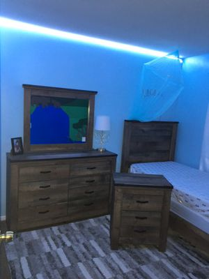 Bedroom set I use for about 2 years. I ask $525 our meke me on offer thank you for Sale in Raleigh, NC