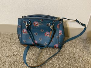 Clean Coach hand bag for Sale in Denver, CO