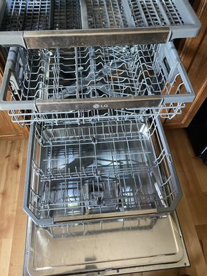 Lg dishwasher for Sale in Pevely, MO