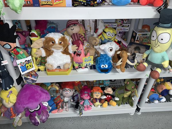 Big selection of games, toys, plush, rc cars and more