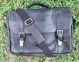 MENS GENUINE LEATHER MESSENGER BAG for Sale in The Bronx, NY