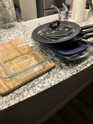 Pans Pyrex and copper mugs for Sale in Austin, TX