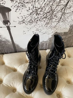 Classic Black Lace Boot, Stylish Women's 7.5 HOT for Sale in San Francisco, CA
