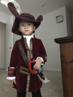 Size 4 child's pirate costume - high quality for Sale in Ellicott City, MD