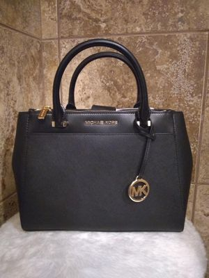 MK BAG GREAT VDAY GIFT for Sale in Memphis, TN