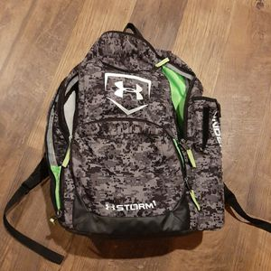 Under Armour Bat Bag for Sale in Williamsport, PA