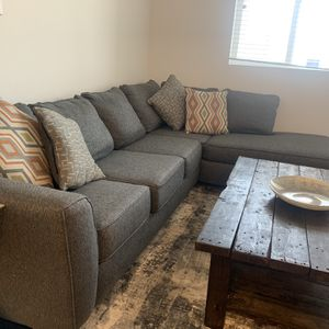 Like NEW Sectional Couch Sofa for Sale in San Diego, CA